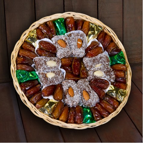 http://www.simonianfarms.com/image/cache/data/gift_packs_dried_fruit/heavenly_dates-800x800.jpg